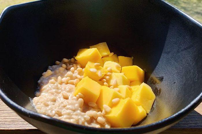 Lipnūs ryžiai su mango